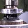 Hidrolik Baskı Makinesiyle Ezilen Karbon Fibere Ne Olur?