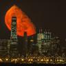 İki Gündür Kıpkırmızı Olan Ayın Muhteşem Görüntüsü