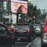 Endoneyza'nın Başkentindeki Reklam Panosunda Porno Film Gösterildi!