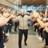 iPhone 7'ye Türkiye'de Sahip Olan İlk Kişiyle Tanışın