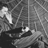 Tesla'nın Neredeyse 150 Yıllık İcadı, Drone'ları Havadayken Şarj Etmeye Yarayacak!