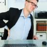 Bilgisayar Başında Saatlerini Geçirenlerin Sorunu: Bel ve Baş Ağrısı