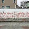 """Edremit Belediyesi'nden Duvar Yazısına Efsane Tepki: """"Silersek Ciğerimiz Kurusun!"""""""