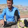 Şanlıurfalı Güvenlik Görevlisi, Sinyalleri Kestiğini İddia Ettiği Bir Ayakkabı Tasarladı!