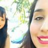 İki Genç Kız Selfie Çekilirken İniş Yapan Uçağın Kanatlarına Takılarak Can Verdiler!