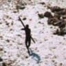 Yardıma Gelen Ziyaretçileri Teker Teker Öldüren Psikopat Bir Kabile: Sentinel