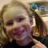 Görünce Küçük Dilinizi Yutacak Kadar Gerçekçi Küçük Kız Maskesi!