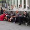 İlk Ürünü Alabilmek İçin Apple Store Önünde Kamp Yapıyorlar