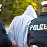 Almanya'da Nefret Dolu Facebook Paylaşımları Yüzünden 36 Eve Polis Baskını!