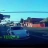 Tesla'yı Yakalayacağım Derken 'Spin Atan' Porsche!