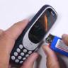 Ünlü YouTuber'ın Eline Düşen Yeni Nokia 3310'un Başına Gelmeyen Kalmadı!