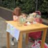 Limonata Sattığı İçin 150 Sterlin Ceza Kesilen 5 Yaşındaki Kıza Onlarca İş Teklifi Geldi