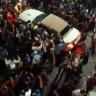 Otomobil Gösterisinde Mustang'in Kontrolünü Kaybeden Sürücü İzleyicilerin Arasına Daldı!