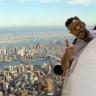 Uçaktan Dışarıya Uzanıp Selfie Çeken İnternetin Yeni Fenomen Pilotu