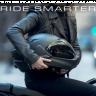'CrossHelmet' Motorsiklet Sürücülerinin Gözü Kulağı Olacak