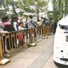Bilim Kurgu Değil Gerçek: Pekin'in Kalabalığı Artık Robot Polislerin Kontrolü Altında!