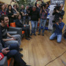Geliştiricilerle Bir Araya Gelen Bakan Zeybekci, Hayatında İlk Kez Dijital Oyun Oynadı