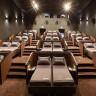 Uzanarak Film İzlemeyi Sevenlere: Türkiye'nin İlk Yataklı Sinema Salonu