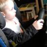 Profesyonel Yarışçılar Gibi Araba Süren 3 Yaşındaki Çocuktan Müthiş Performans! (video)