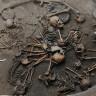 Meksika'da 10 İskeletin Tuhaf Bir Şekilde Durduğu, 2400 Yıllık Mezar Keşfedildi!