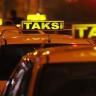 İstanbul'da Taksiciler, Önünü Kestikleri Uber Sürücüsünü Öldürmekle Tehdit Ettiler! (Video)