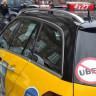 İstanbul'da Bir Taksici, UBER Şoförü Zannettiği Kişiyi Bıçakladı! (Video)