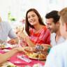 Başka İnsanların Yanındayken Niçin Daha Fazla Yemek Yeriz?