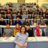 Sınavda Öğrencileri Yerine Kendine Soru Sorarak Son Bir Hayat Dersi Veren Öğretmen: Prof. Dr. Burcu Demirel