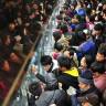 Çin'de Xiaomi Mi Note İçin Uzun Kuyruklar Oluşacak