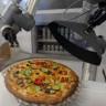 Robotlar Artık Mutfaklara da Girdi: Bu Robot Her 30 Saniyede Bir Pizza Hazırlayabiliyor