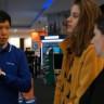 Samsung'un Türkiye Başkanı, Mağazalara İnip Müşterilerle Konuştu