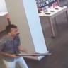 İnterneti Çekmeyen Adam, Pompalı Tüfekle Telefon Bayisini Bastı (Video)