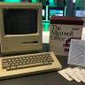 Microsoft Genel Merkezinde İlk Apple Bilgisayarının Ne İşi Var?