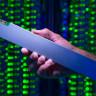 Intel, 30 Cm'lik Cetvel Görünümünde 32 TB'lık SSD Üretti