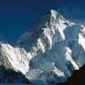 Bir Dağcı, Dünyanın En Yüksek İkinci Zirvesi Olan K2 Dağı'ndan Kayakla İnmeyi Başaran İlk Kişi Oldu