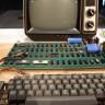 Apple'ın Hala Çalışıyor Olan İlk Bilgisayarı Apple-1, 375 Bin Dolara Satıldı