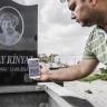 Bir Türk Firma, QR Kodlu Mezar Taşı Üreterek 10 Ülkeye İhraç Ediyor