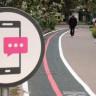 Elinde Telefonla Yürüyen 'Mobil Zombilere' Özel Yol Yapıldı