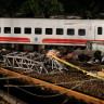 Tayvan'da Yolcu Treni Raydan Çıktı: 22 Ölü