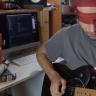 Gitarı Düzgün Çalamadığınızda Elektroşok Veren Robot (Video)
