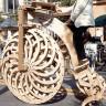 Tamamen Tahtadan Üretilmiş Bisiklet : Boneshaker Big Wheel