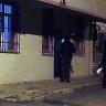 Gecekondu Kapılarına Gizlice Para Bırakan Hayırseverler İlk Kez Görüntülendi