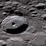 Bilim İnsanları, Ay Yüzeyinde Hareket Halinde Su Buldu