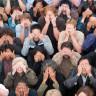 Kendimizi Nasıl Kandırdığımızı Gösteren Utanç Verici Deney (Seyirci Etkisi)