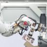 Yılda 1 Milyondan Fazla iPhone'u Parçalayan Dönüşüm Robotu Daisy Nasıl Çalışıyor?