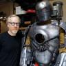 Efsane Avcıları'ndan Adam Savage, Uçabilen Bir Iron Man Zırhı Üretti