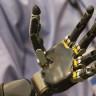 Zihinle Kontrol Edilebilen Robotik Kol (Video)