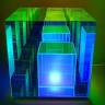 Sonsuz Küplerden Oluşuyor Gibi Görünen Gece Lambası (Video)