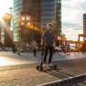 Audi'nin Garip Gidon Tasarımına Sahip Elektrikli Scooter'ı: E-Tron