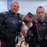 Su Altı Avcıları, Daldıkları Gölde 2 Gün Kalmasına Rağmen Çalışan Bir iPhone X Buldular